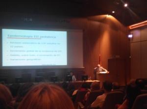 Dr.Prieto Bozano V reunión de pacientes con EII hospital La Paz